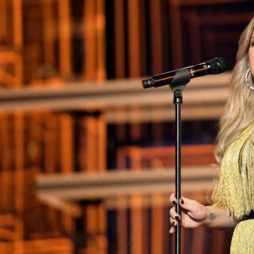 Kelly Clarkson's Cover Of 'Shallow' Has Us Shook
