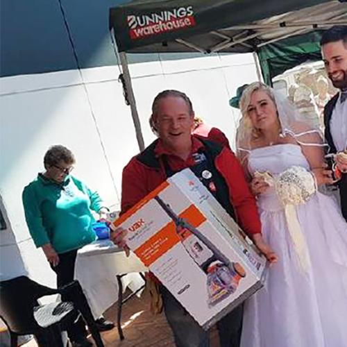 Guy Who Had His Wedding Reception At Bunnings Got A GIFT!