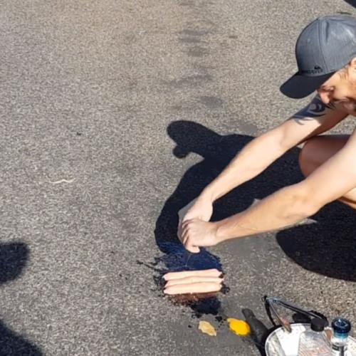 It's So Hot That People Are Cooking BBQs On The Road!