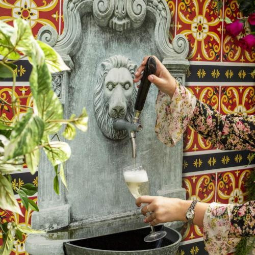 Sydney Bar The Winery Home To Bottomless Prosecco Fountain
