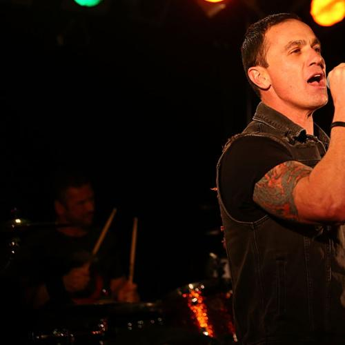 Shannon Noll Goes On Another Crazed Rant Mid-Concert