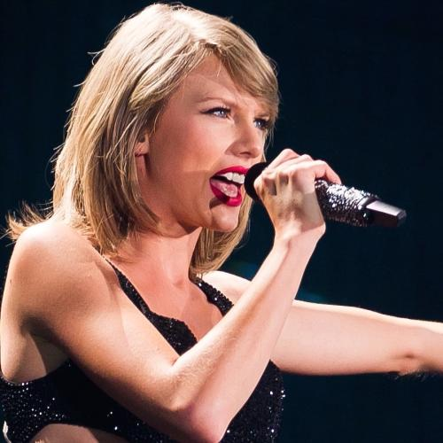 Taylor Swift Hints At An Aussie Tour