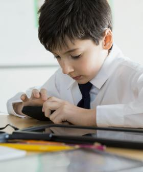 Prestigious Sydney School Bans Mobile Phones And Laptops