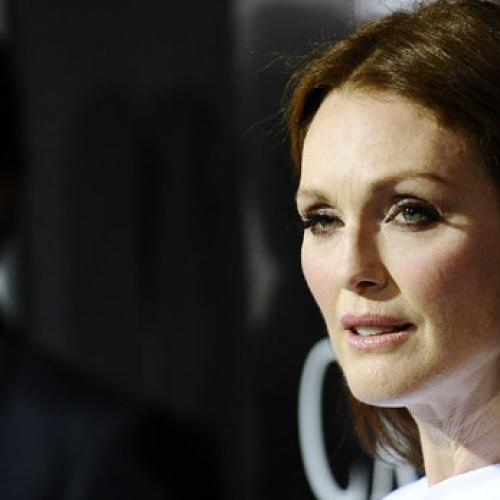 Julianne Moore Takes On Ageing - Gracefully