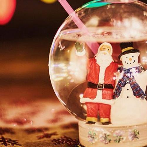 There's A Bar That Sells Snow Globe Cocktails