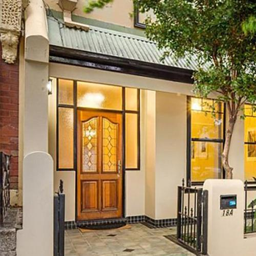 More Than 200 People Queued To Inspect This Sydney Rental