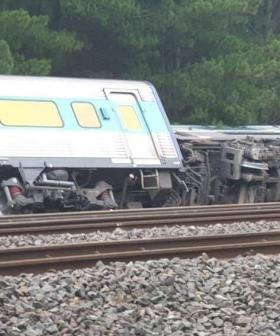 Train That Departed Sydney Derails Near Melbourne With 160 On Board