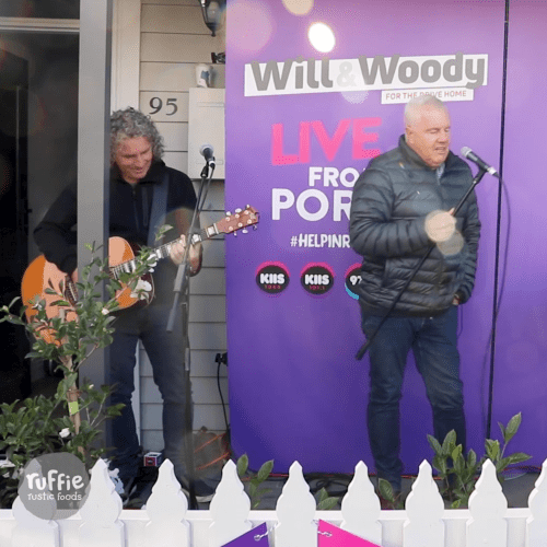 "MAGIC! Daryl Braithwaite Performs ""Horses"" To A Suburban Street"