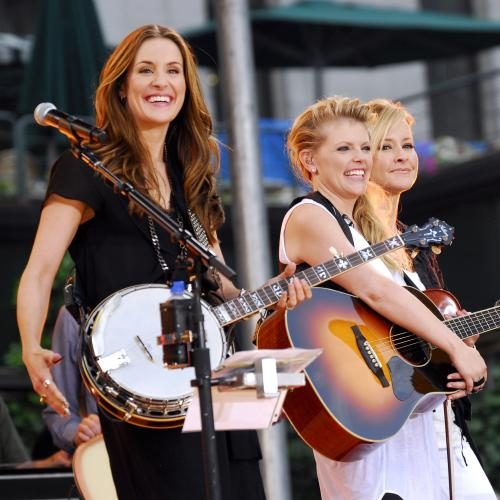 Dixie Chicks Drop 'Dixie' From Their Name Due To Slave-Era Connotations