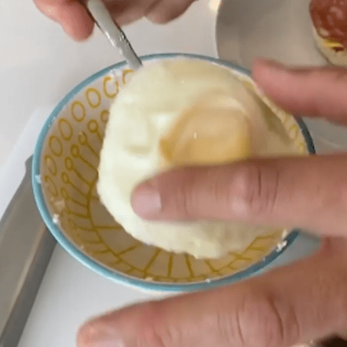 This Is How You Fry An Egg In The Microwave In Under Two Minutes