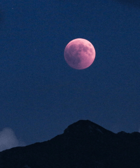 Australia Will Get A Little Treat From The Universe This Weekend Called The 'Strawberry Moon'