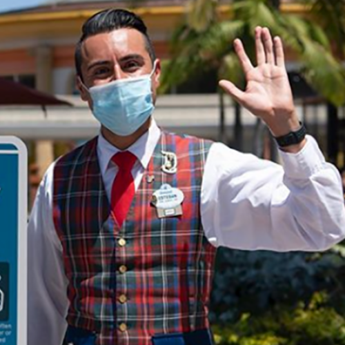 At Disney World, You Are No Longer Allowed To Eat Or Drink While Walking