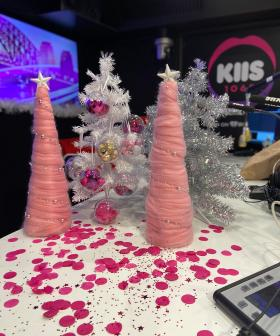 Kyle & Jackie O's Christmas Decoration Challenge