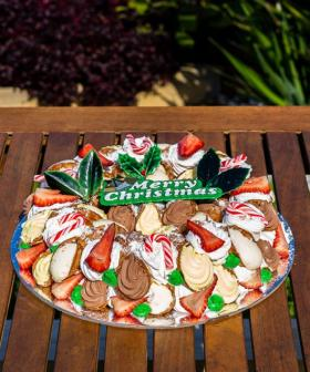 Imagine A Christmas Wreath Made ENTIRELY Out Of Cannoli