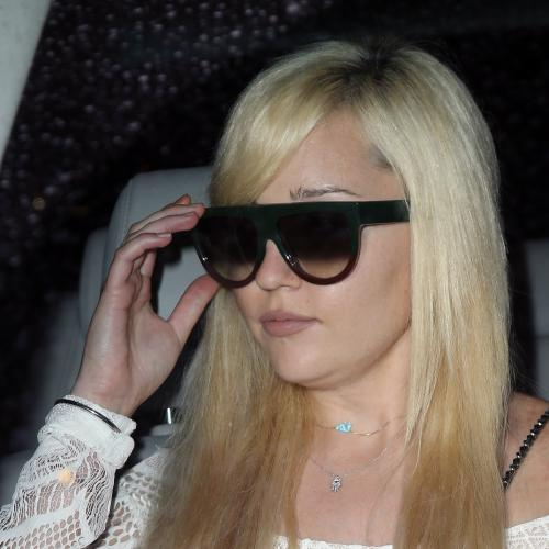 Amanda Bynes Announces She's Starting Her Rap Career & Well, Nothing Shocks Me Anymore