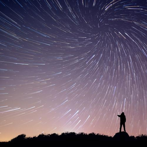 Sydney Will Be Treated To A Meteor Shower This Weekend, Here's Where To Look!