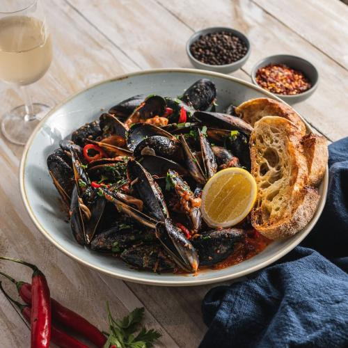 Fratelli Fresh Is Hosting A Winter Festival Where You'll Be Able Munch On All-You-Can-Eat Mussels