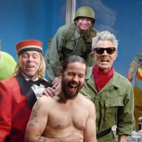 Jackass's Johnny Knoxville Reveals How Serious It Was When 'Poopies' Was Attacked By A Shark